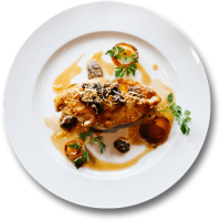 Both the sweet and sour meatballs of pork or you can choose to go for lemon chicken accompanied by fried rice. Beef stroganoff that comes along with pasta or rather, you can take parmesan crusted chicken that comes along with a sauce of bacon cream.